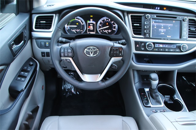 Pre-Owned 2016 Toyota Highlander Hybrid Limited
