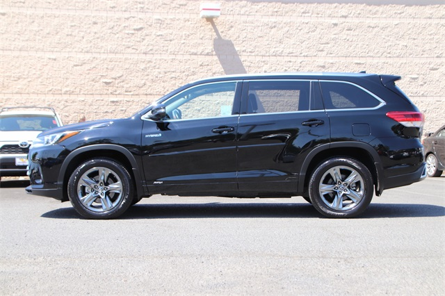 Pre-Owned 2017 Toyota Highlander Hybrid Limited Platinum
